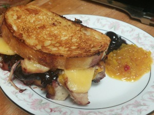 pulled pork & gouda grilled cheese